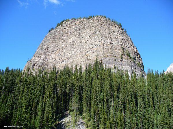 Une drôle de petite montagne surnommé ruche d'abeille